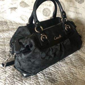 Like New Authentic Coach Bag / Purse / Duffle Bag
